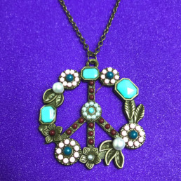 Vintage Style Peace Necklace - NIA 9