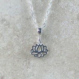 Lotus ss necklace 1