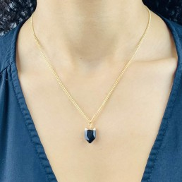 Onyx shield necklace model
