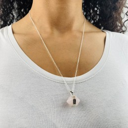rose quartz hexagon necklace model1